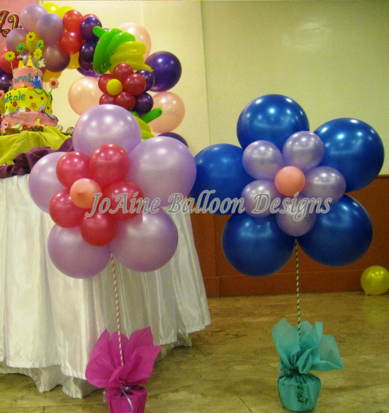 Joaine balloon designs balloon designs and party needs for Ballons decoration